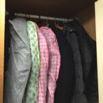 狭いクローゼットでの服の収納について